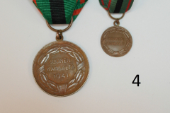4-Vapaudenristi-2.luokan-ansiomitali-setti-41-taka.JPG