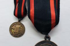 8.-Laatokanmitali-setti-ja-asetakkimerkki-etu