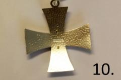 10-Kotijoukkojen-risti-taka
