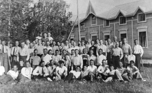 Runnin kylpylässä sotainvalideja kesällä 1940.